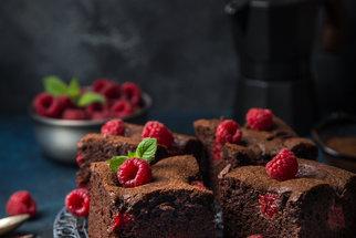 Koláče na plech, které zvládne každý: Zkuste brownies, margot řezy nebo kefírovou buchtu