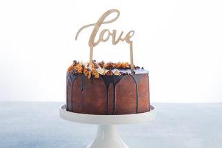 Čokoládová ganache: Správný poměr a postup na dokonalou polevu, krém na dort či náplň do pralinek