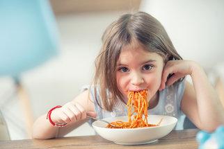 10 receptů do karantény, které budou chutnat i vašim dětem