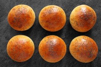 Domácí máslové bulky na burgery i k snídani: Recept podle Cuketky zvládne každý