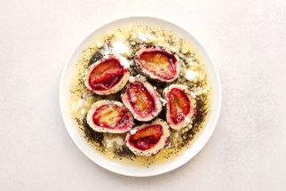 Recept na švestkové knedlíky podle pana Cuketky: Nejlepší jsou zalité rozpuštěným máslem a posypané mákem