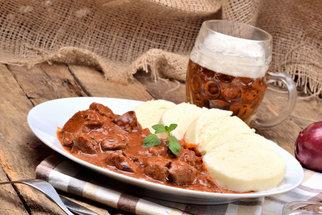 Guláš z vepřového masa: Jak na ten nejlepší a co jste o jeho historii nevěděli
