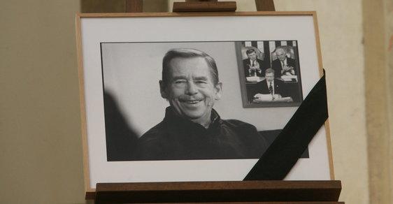 Pocty státního pohřbu se dočkal i bývalý prezident Václav Havel
