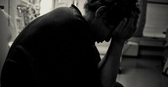 Muž v depresi
