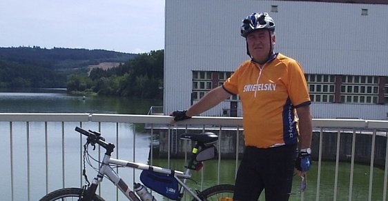 """""""Mám soukromý padací rekord, nedobrzdil jsem zatáčku,"""" říká dělník se srdcem cyklisty"""
