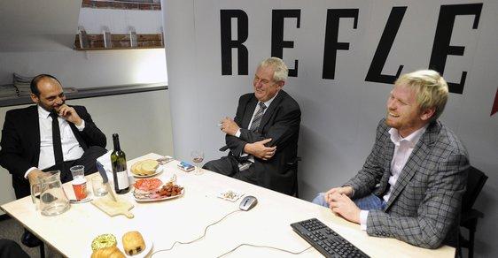 """""""Prozradím vám sladké tajemství o Klausovi,"""" řekl Miloš Zeman při návštěvě Reflexu. A prozradil."""