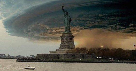 Tohle není Sandy. S hurikánem řádícím nad New Yorkem si pohráli autoři internetových hoaxů