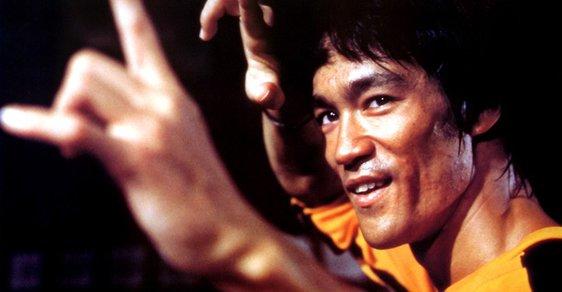 Hongkongský drak a filmový hvězda. Před 80 lety se narodil Bruce Lee
