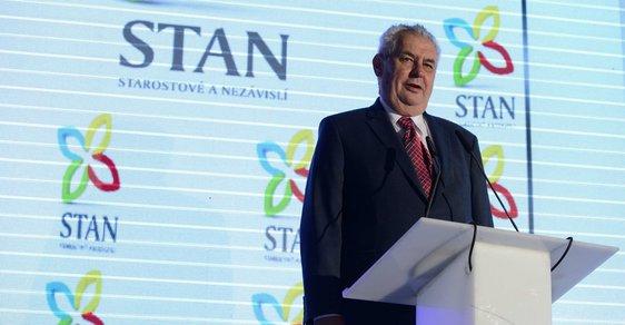 Miloš Zeman během proslovu na sjezdu STAN