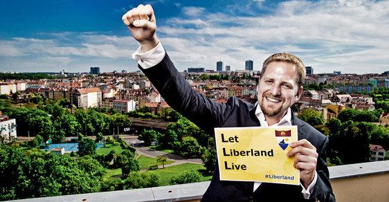 Jedlička z Liberlandu: Klaus nás do EU zatáhnout nemusel, eurodotace nám způsobily nevyčíslitelné škody