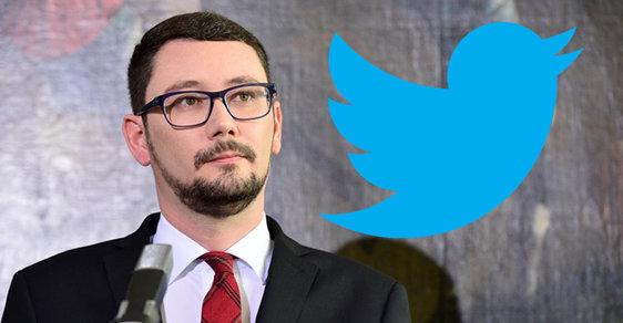 Podle informací Divokého kačera prezident Zeman zarazil Jiřímu Ovčáčkovi Twitter