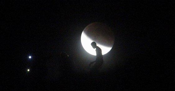 Měsíc - ilustrační foto