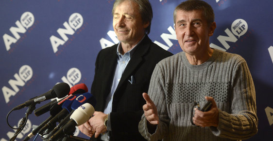 Ministr zahraničí v demisi Martin Stropnický a premiér v demisi Andrej Babiš