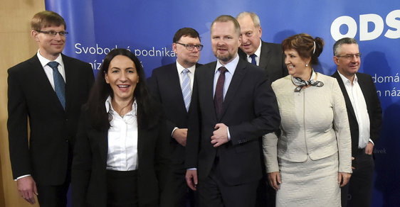 ODS se spíše, i když ne zase moc, chce svézt na protiuprchlické hysterii a na zachování EU jí zjevně moc nezáleží.