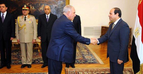 Musíme zabít 400 000 Muslimských bratrů, jinak nebudu mít klid, řekl egyptský ministr