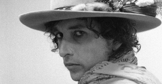 Šatny, pódia i večírky... Fotograf zblízka sledoval celé turné Boba Dylana