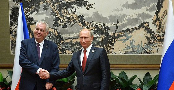Zeman na summitu NATO? Oči a uši gosudara Putina