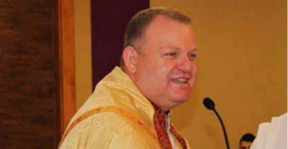 Kanadský kněz prošustroval půl milionu dolarů na uprchlíky. Hazardem