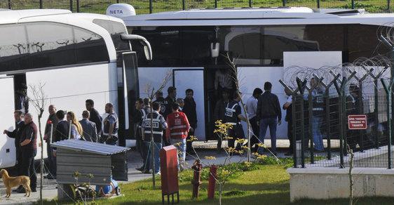 Migranti na turecko-řeckých hranicích.