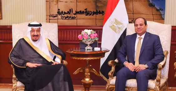 Král Salmán u egyptského prezidenta Sísího.
