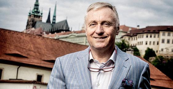 Topolánek: Houby uplácení, Klausovi volitelé vznikli přirozeně mou dohodou s Kalouskem