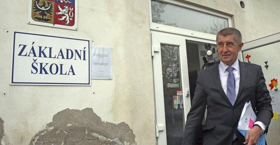Andrej Babiš při návštěvě základní školy v Psárech