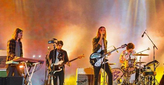 Slunce, moře, horory. Festival Primavera Sound zahájili Tame Impala, Air nebo režisér John Carpenter