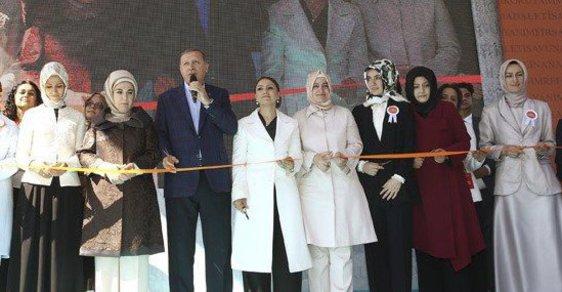 """""""Přítel"""" EU, turecký prezident Erdoğan, opět perlil: """"Bezdětné ženy jsou nedostačující a neúplné."""""""