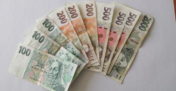 Své dluhy nesplácí 337 tisíc Čechů, banky v těchto dluzích mají utopeno 47,4 miliardy korun.