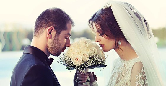 Když se nepovedlo první manželství, v tom druhém to bude lepší, míní každý třetí letošní ženich či nevěsta.