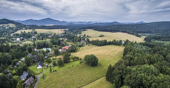 Stát musí restituentům dál vydávat náhradní pozemky - ilustrační foto
