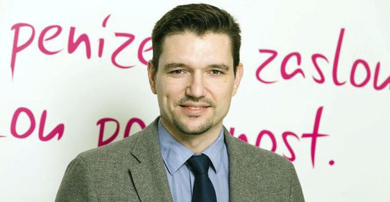 Podle Jiřího Patáka, ředitele poradenské společnosti Chytrý Honza, je však zadlužení Čechů stále jedním z nezdravějších v rámci Evropské unie.