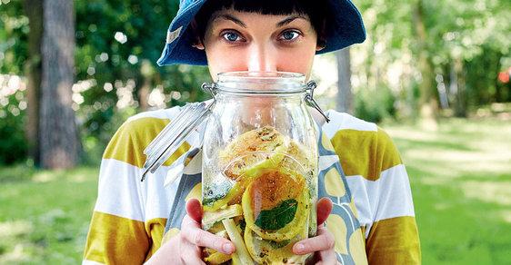 Daniela Turecká naloží do sklenice takřka cokoli, inspiraci hledejte v její kuchařce
