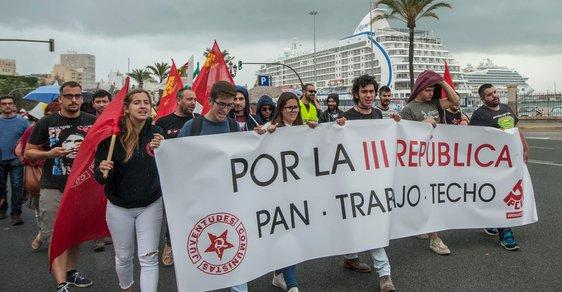 Problémy s nezaměstnaností tíží především jih Evropy. Mladí protestují i ve Španělsku.