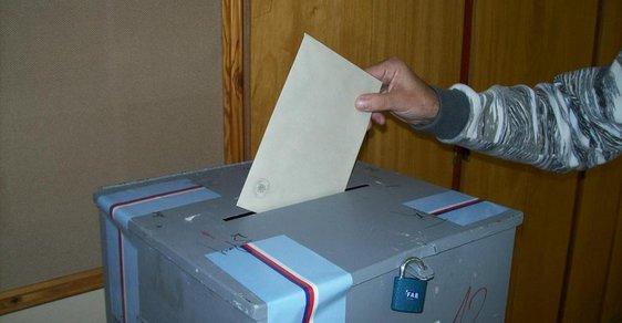 Mohou v českých volbách volit cizinci? A kteří?