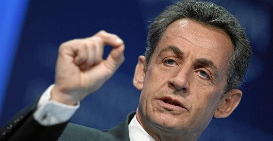 Bývalý francouzský prezident Nicolas Sarkozy oznámil kandidaturu v listopadových primárkách své pravicové strany Republikáni k prezidentským volbám 2017.