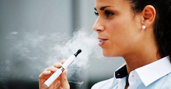 Evropská unie chce přísnější pravidla pro elektronické cigarety