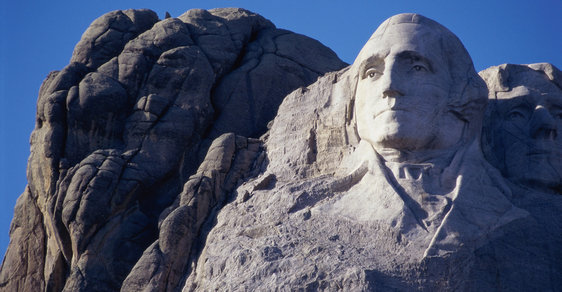 Seznam amerických prezidentů - kdo byl zavražděn, kdo odstoupil a kdo má vytesaný pomník ve skalním masivu