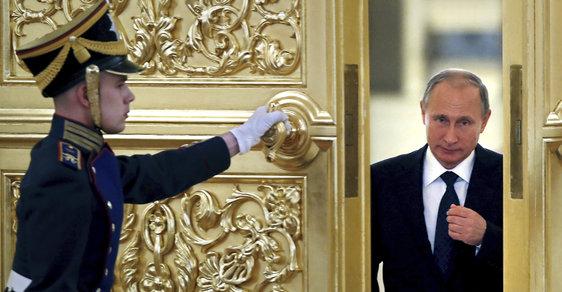 Moskevský patriarcha srovnal Putina s carem Alexejem a knížetem Vasilijem. A za vším hledej někdejší KGB