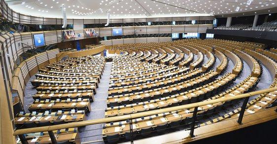 Evropský parlament a co jste o něm vždy chtěli vědět: Jaké má pravomoci, jak nás ovlivňuje a co naopak nemůže