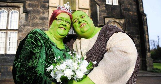 Nejšílenější svatební šaty. Tohle se fakt nepovedlo? Nebo jo?
