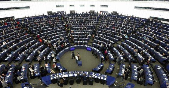 Proč máme v Europarlamentu jen 21 poslanců? Kdo určuje počty mandátů a kde je nejvýhodnější kandidovat?
