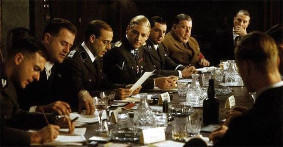 Repro z filmu Konference ve Wannsee.