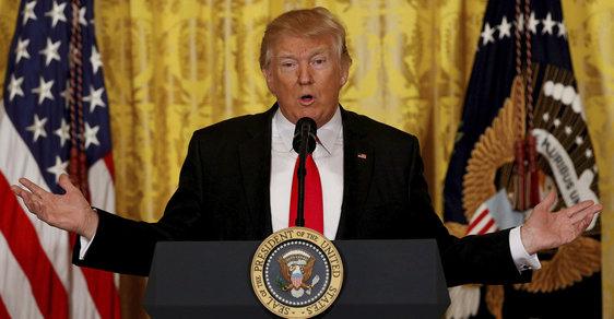 Stojí za únikem informací z daňového přiznání Trumpových sám prezident USA?