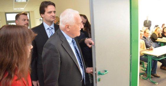 Nenechme podrývat kořeny svobodné akademické diskuze aneb Je Václav Klaus vítán na univerzitách?