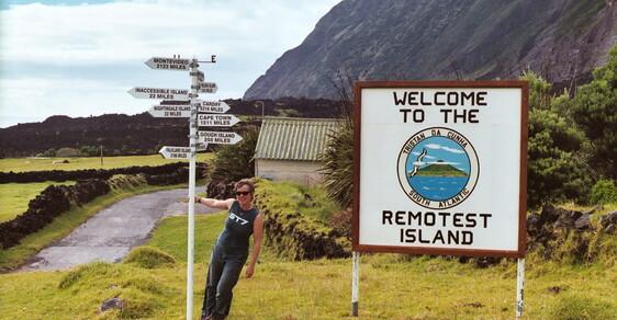 Nejodlehlejším místem světa je ostrov Tristan da Cunha. Všude je to tisíce kilometrů daleko