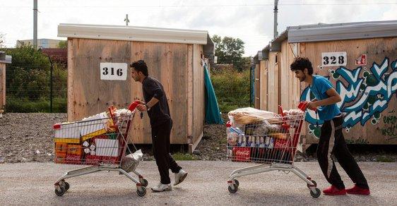 SPD se štěpí, uprchlíci toho využili a přicházejí.