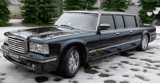 Ruská luxusní limuzína, v které ale Putin nechtěl jezdit. Stojí 24 milionů korun