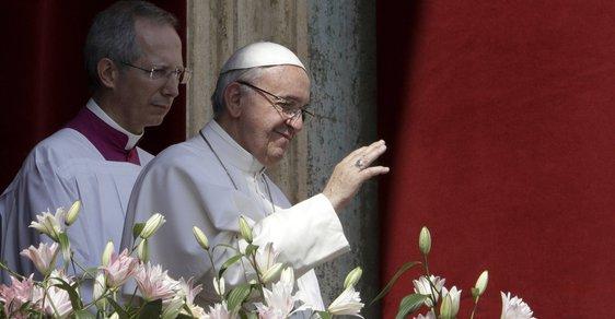Papež Františe ve Vatikánu pronesl tradiční velikonoční poselství.