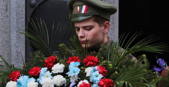 Československý generál odvlečený špiony Sovětského svazu se konečně dočkal pamětní desky